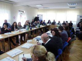 Tri i po miliona evra za infrastrukturne projekte na jugoistoku i jugozapadu Srbije